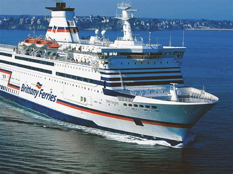 ferry boat cafe bretagne brittany ferries