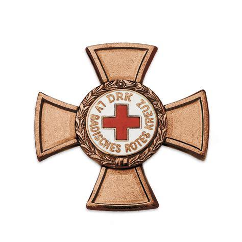rotes kreuz haushaltsauflösung treuedienstabzeichen des roten kreuzes landesverband