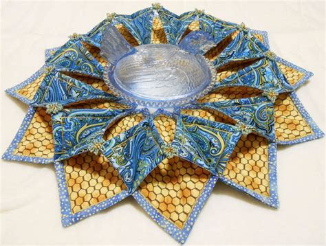 pattern for fabric wreath 187 best images about quilting fold n stitch wreath on