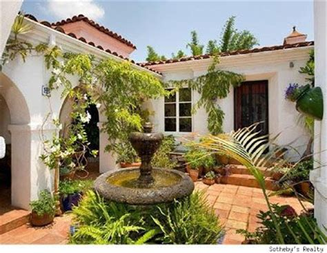 Small House For Sale Spain 25 Best Ideas About Villas On