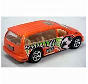 Hot Wheels  Dodge Caravan Soccer Mom Minivan Global