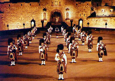 edinburgh tattoo pipes and drums 2rcr pipes and drums