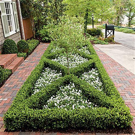 Landscape Ideas Using Boxwoods Front Yard Boxwood Parterre Landscaping With Boxwoods