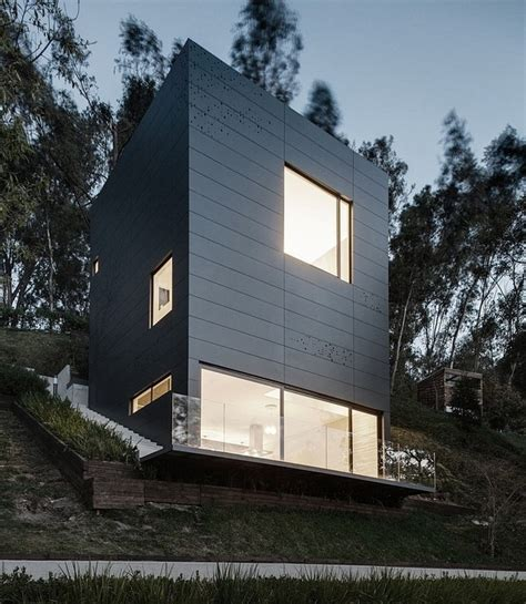 Home With Small Footprint Weekend Home With Small Footprint Modern House Designs