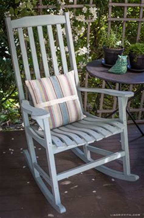 upcycling my table and chairs finding my 1000 images about vintage rocking chairs on