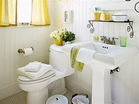ideas on how to decorate a bathroom decorate your small bathroom wechengdu org