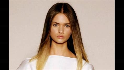 hairstyle for hair part in the middle smooth and straight middle parting hairstyle youtube