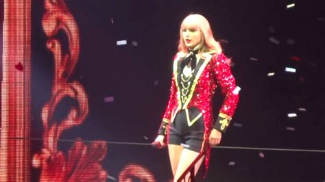taylor swift concert youtube fan gets on stage at taylor swift red tour concert youtube