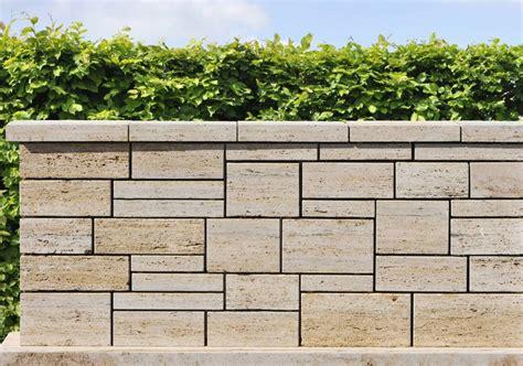 mauersysteme garten natursteinmauern 01 fertigmauer aus travertin