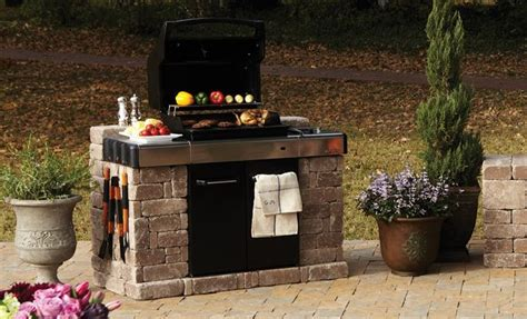 Backyard Bbq Enclosure Pavestone Rumblestone Bbq Enclosure Outdoor Living