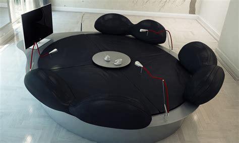 Canapã High Tech Future Systems Sofa Le Sofa Rond High Tech