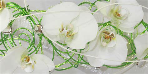 Fleur Verte Et Blanche by Bouquet De Mariee Structure Metal Vert Fleurs Blanche