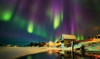 photos with lights iceland s northern lights takes stunning pictures of