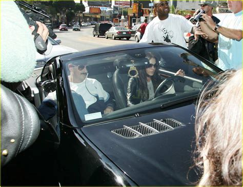 Lohan Leaves Rehab To Attend Aa Meeting Gets Mobbed By Paparazzi by Lindsay Lohan Causes Photo Frenzy Photo 2418861 Lindsay