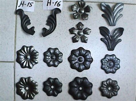 venta de apliques flores y apliques en hierro forjado bs 225 000 00 en