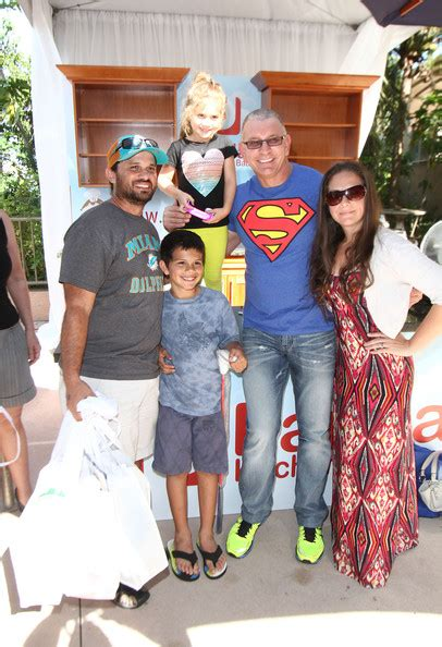 Paula Deen Kitchen Island Robert Irvine Pictures Fun And Fit As A Family Sponsored