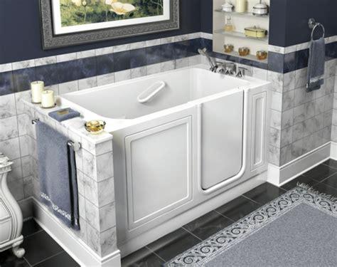 tür für badezimmer design farbe badewannen