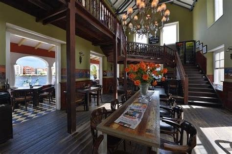 gouverneur reading room our fontain in the courtyard picture of gouverneur de rouville willemstad tripadvisor