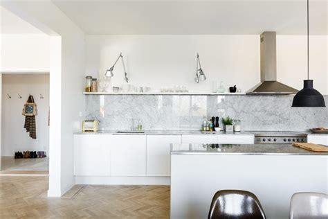 Retro Metal Kitchen Cabinets Dosseret Et Plan De Travail Marbre Pour La Cuisine 80 Id 233 Es