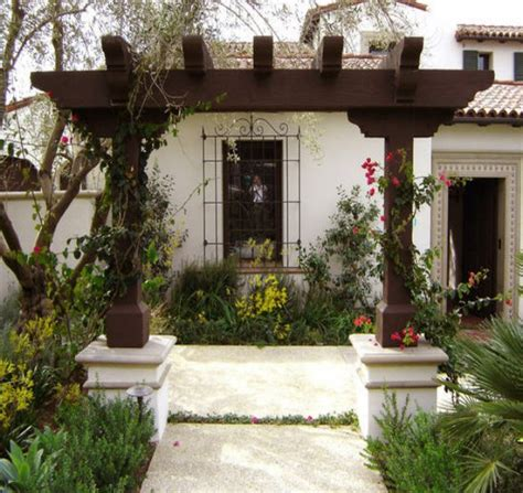 Pergola For Small Backyard by Pergola Ideas For Small Backyards Pergolas Gazebo