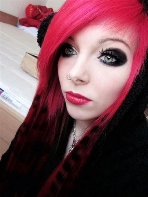 scene queen and alternative modeling trends growing emo makeup tutorial tips and ideas yve style com