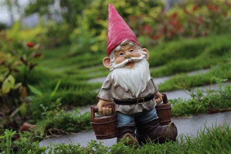 outdoor pixie elves poly resin creative garden gnome figurine carry water courtyard statue home garden