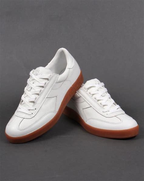 Diadora Clasic Original diadora b original premium trainers white gum s sneakers
