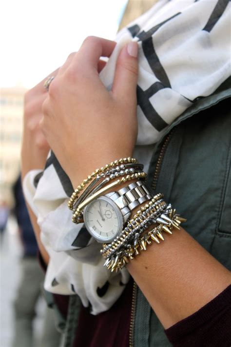 mixing gold and silver mixing gold and silver jewelry is seriously chic stylecaster