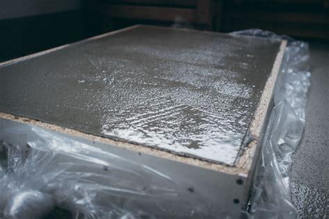 Betonplatten Selber Herstellen by 90 Jpg Couchtisch Greyment In Nierenform Aus Beton 02