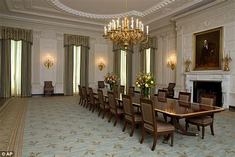 White House State Dining Room Obama Unveils 590k Changes To White House State Dining Room Daily Mail