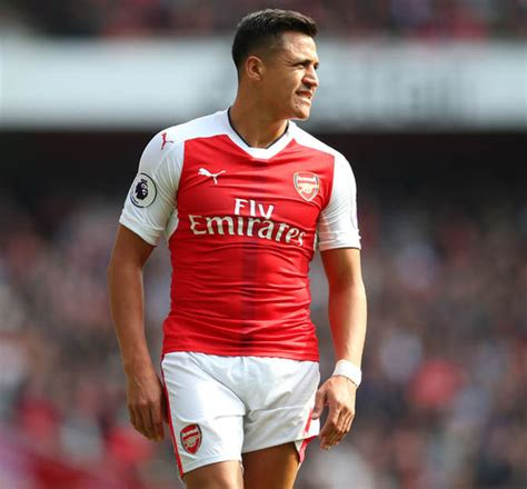 alexis sanchez express arsenal news wenger urged to keep sanchez over ozil
