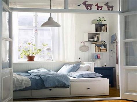 design tips for small bedrooms to make them look spacious 25 newest bedrooms that we are in love with