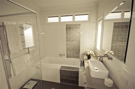 id 233 e salle de bains n 176 6 et baignoire devibat