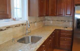 Kitchen Travertine Backsplash by Travertine Subway Tile Kitchen Backsplash With A Mosaic