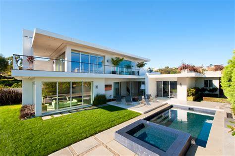five hollywood celebrity houses to inspire us 5 celebrity homes that awe and inspire chicmags