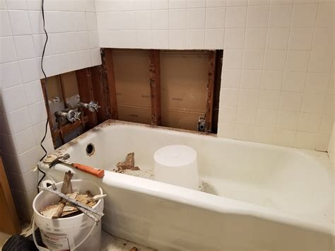 how to strip a bathtub how to remove bathtub 28 images removing caulk bathtub