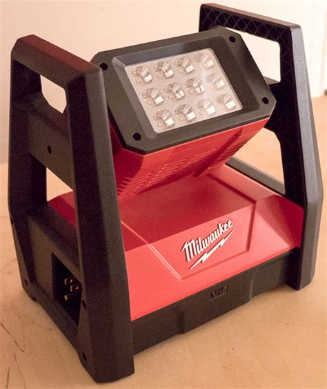 milwaukee m18 led work light new milwaukee m18 led tripod worklight and other new m12