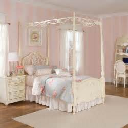 Canopy Bed For Kid Canopy Beds For Sale Buy A Canopy Bed At