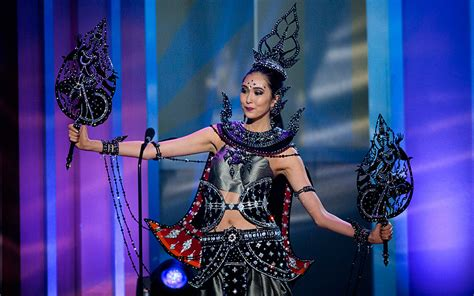the national costume round of miss universe 2015 daily mail online genevieve valentine miss universe 2014