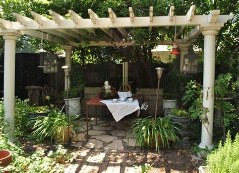 Small Backyard Pergola Ideas 40 Pergola Design Ideas Turn Your Garden Into A Peaceful Refuge Designrulz