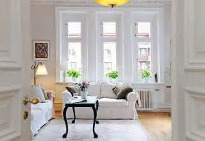Livinf Spaces How To Buy Furniture For Short Term Living Spaces