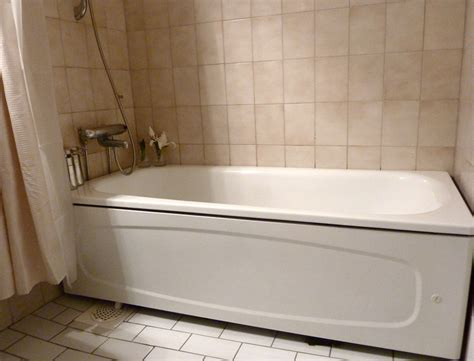 Home Tub by Exellent White Bath Tub Design Ideas Tile Ceramic Wall Near High Calm Curtain Inside