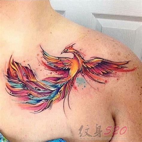 tattoo koi zaragoza 女生锁骨下七彩水彩泼墨凤凰纹身图案