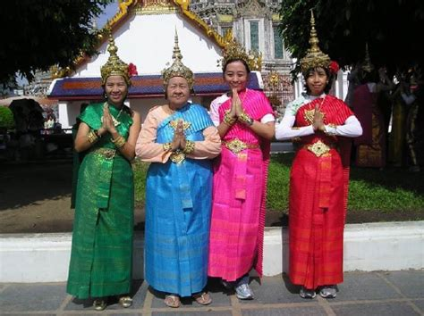 Baju Atasan Dari Negara Singapura kebudayaan negara thailand imeldanurlaila14