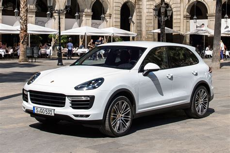 porsche suv 2015 white 2015 porsche cayenne turbo front three quarter view 4