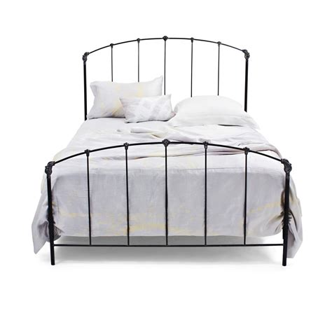 Solido Black Iron Bed