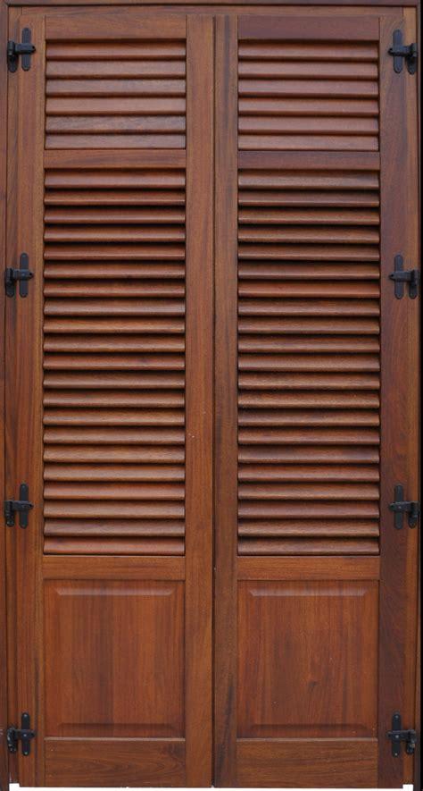 persiana legno infissi in legno vetrata e persiana modello b2vp bi l