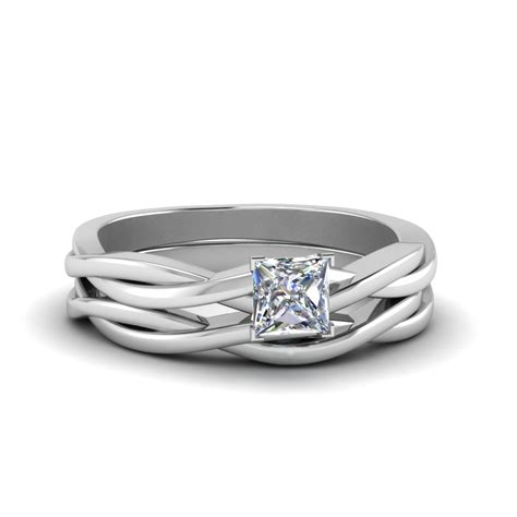 princess cut simple vine solitaire bridal ring set in 14k