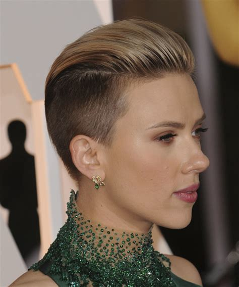 why scarlett johansson cut hair scarlett johansson hairstyles in 2018