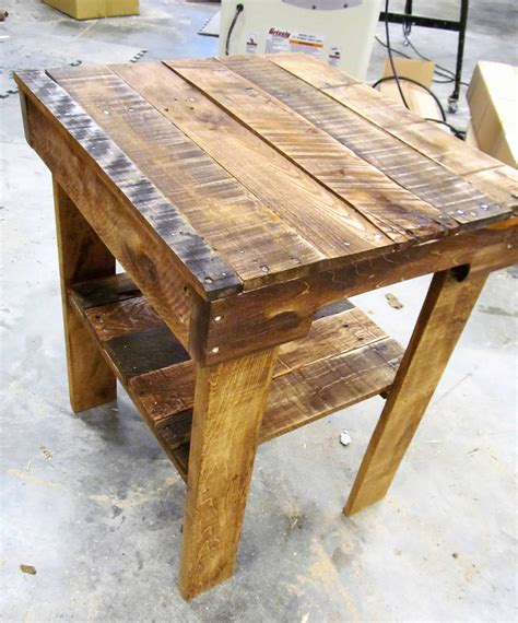 pallet end table pallet wood end table has lower shelf 1001 pallets